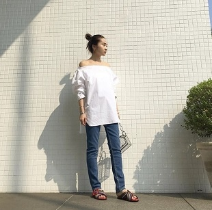 Off sholder Blouse×Denim Pants